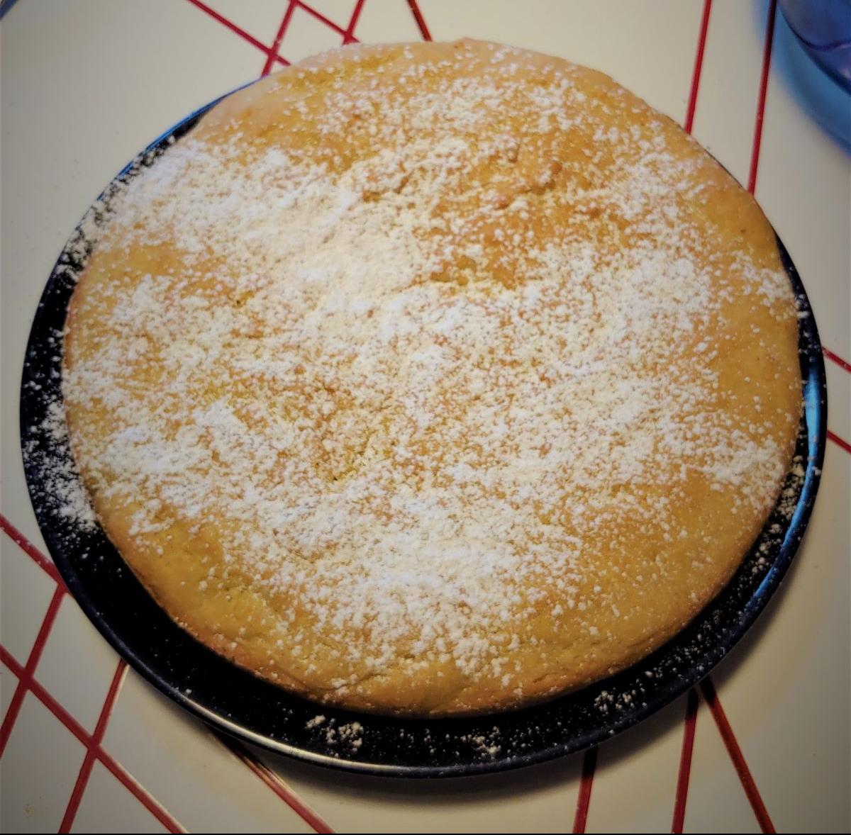 Breakfast cake with powdered sugar